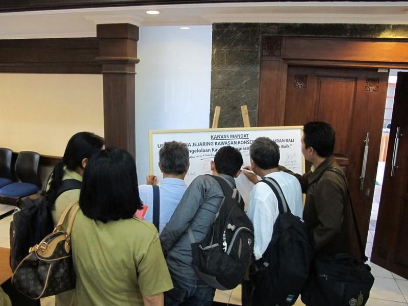 Penandatanganan canvas mandat jejaring KKP Bali