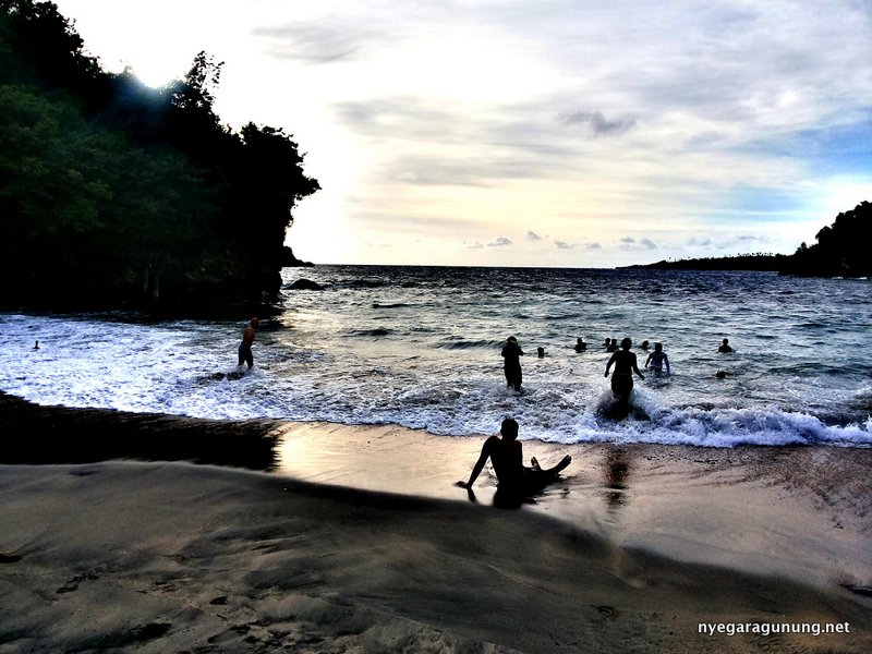 Sunset di Crystal Bay Nusa Penida
