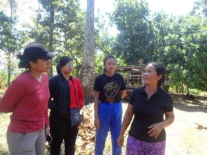 Diskusi bersama ibu Nyoman Lendri